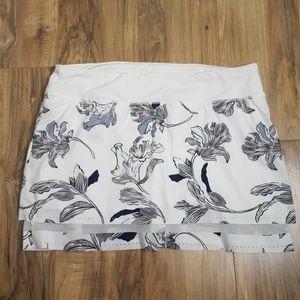 Athleta White& Black Print Laser Run Skirt